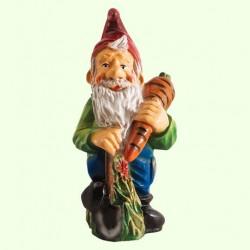 Садовая скульптура Гном с морковкой (М)