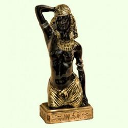 Садовая скульптура Исида