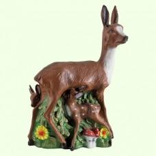 Садовая скульптура Олениха с олененком