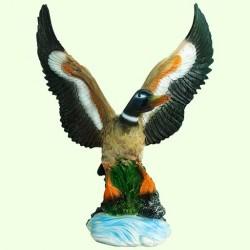 Садовая скульптура Взлетающая утка