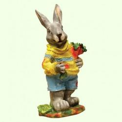 Садовая скульптура Заяц с морковкой
